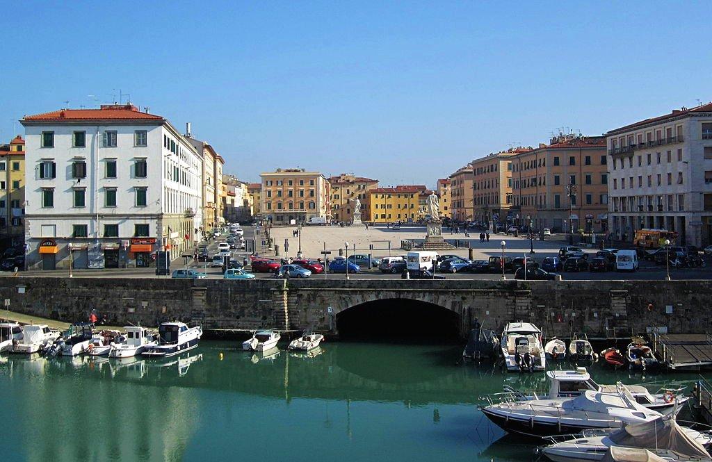 Piazza della Repubblica, Livorno, Tuscany, Italy ...