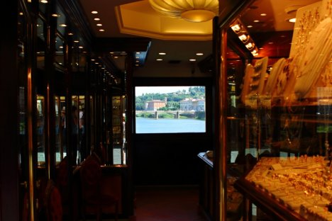 Ponte Vecchio Jewelry Shop, Florence, Tuscany, Italy