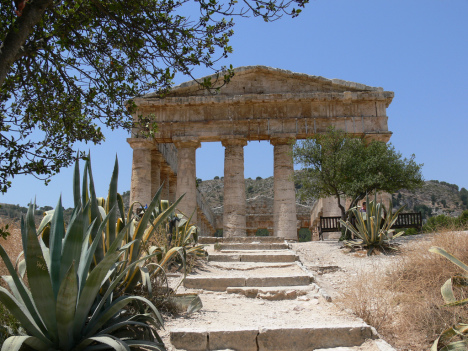 Doric Temple, Segesta, Sicily, Italy