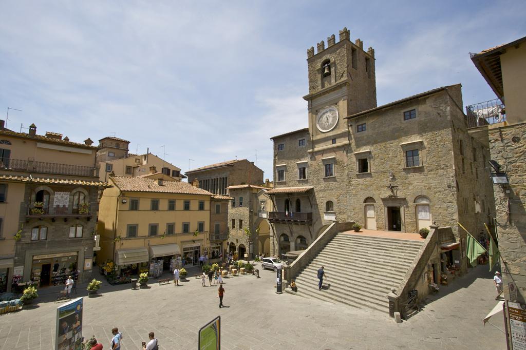 Piazza della Repubblica and Palazzo Comunale, Cortona, Tuscany, Italy