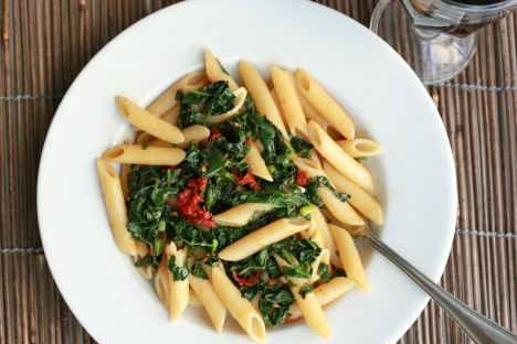 Penne Pasta with Kale & Sun-Dried Tomatoes