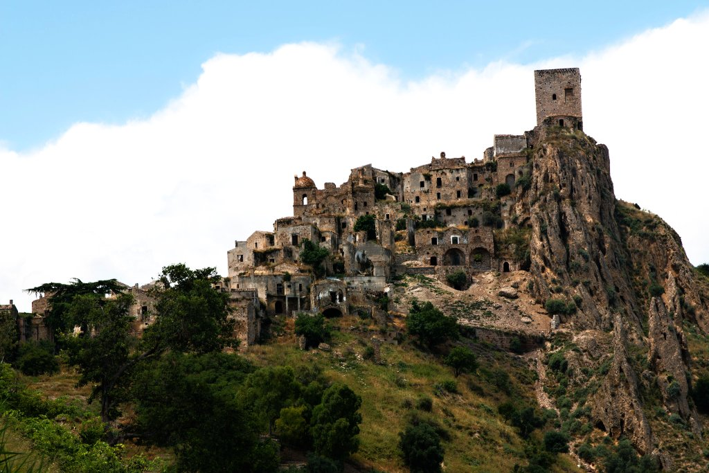 Unusual travel destinations in Italy – abandoned villages – part I.