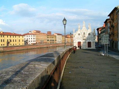 Arno river promenade, Pisa, Tuscany, Italy