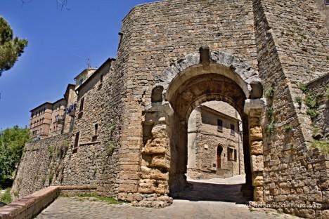 Porta all'Arco, Volterra, Tuscany, Italy