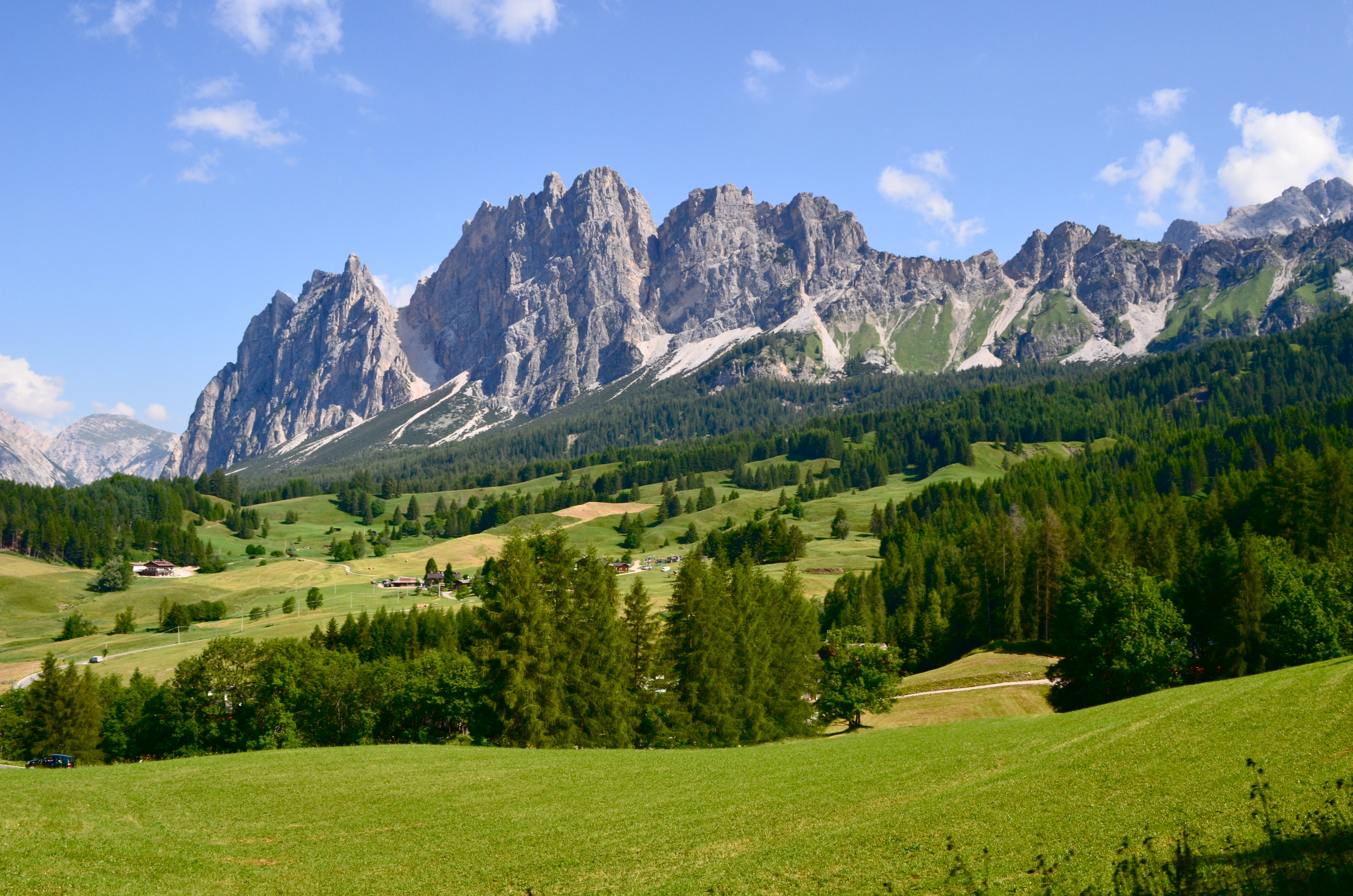 Cortina d 39 ampezzo vip place on dolomites for summer for Best view of dolomites
