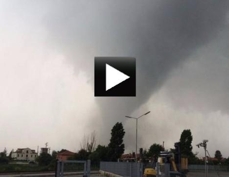 tornado venice video
