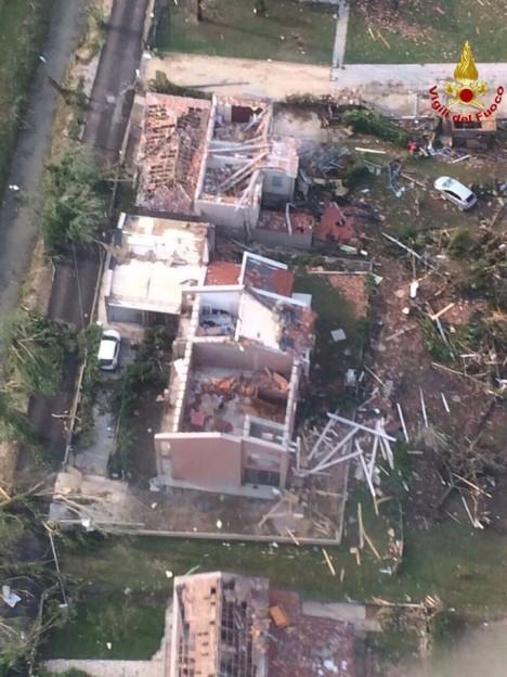 tornado in venice 2015