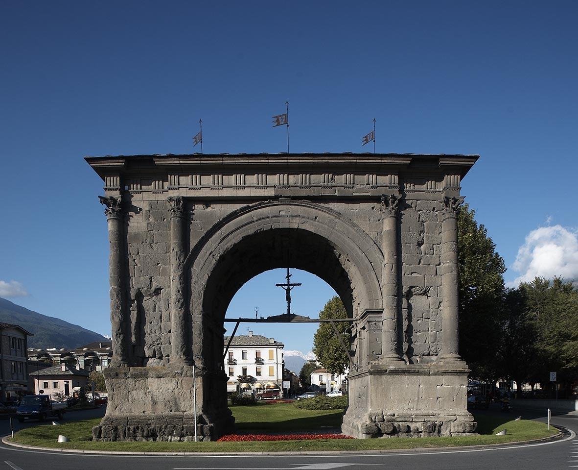 August's Arc aosta