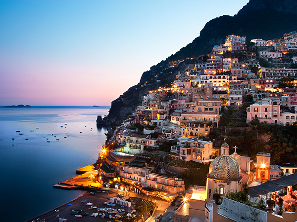 ITALY / Campania / Costiera Amalfitana / Positano / Hotel Le Sirenuse ( right ) and the village   Christina Anzenberger-Fink / Anzenberger