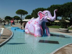 Aquasplash waterpark - elephant