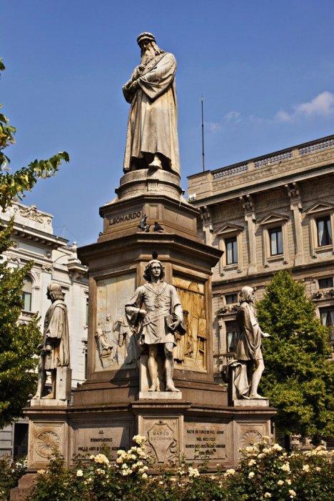 Leonardo Da Vinci Statue, Milan, Lombardy, Italy