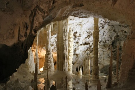 giant cave trieste